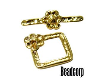 15.5mm Gold Vermeil Flower Toggle Clasp